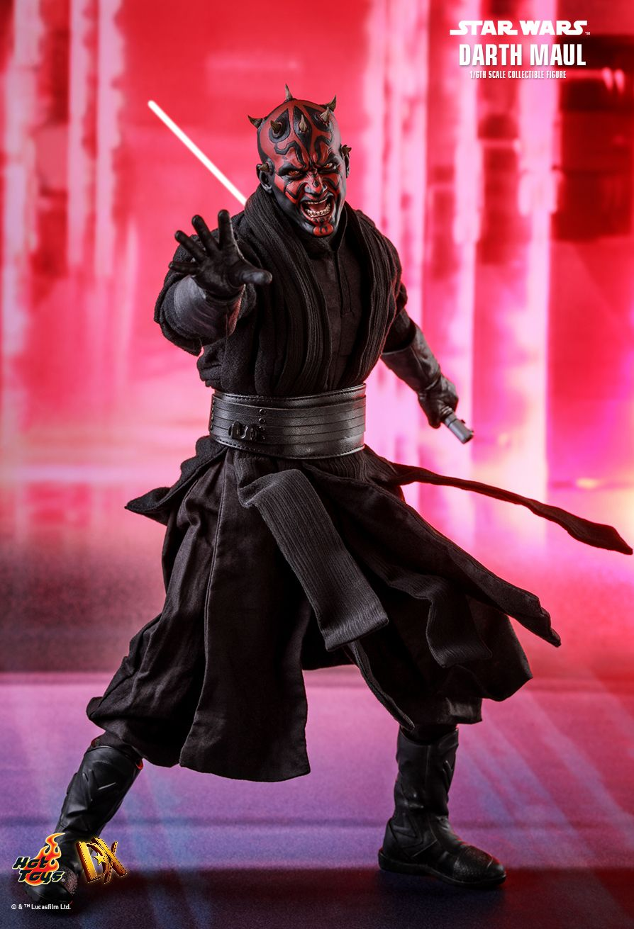 Darth Maul   Sixth Scale Figure by Hot Toys  Episode I: The Phantom Menace - DX Series