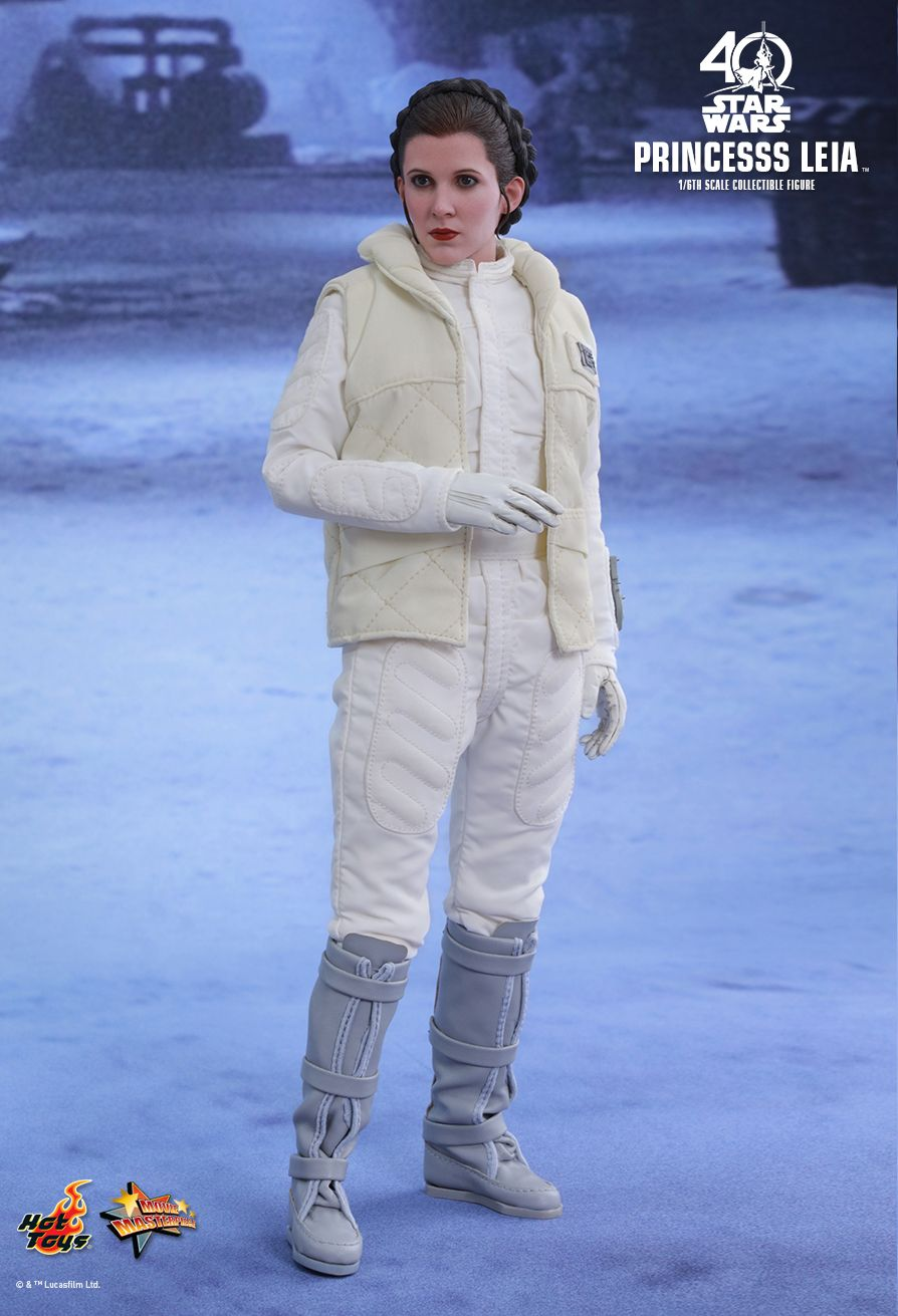 Princess Leia - Hoth Set  Episode V: The Empire Strikes Back - Movie Masterpiece Series