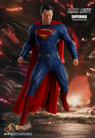Superman  Sixth Scale Figure by Hot Toys  Justice League