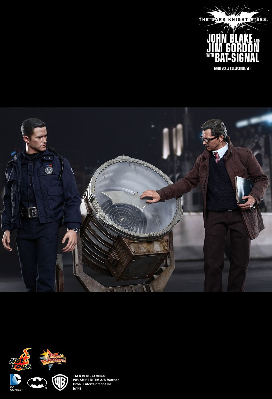 Hot Toys - John Blake and Jim Gordon with Bat-Signal  Movie Masterpiece Series
