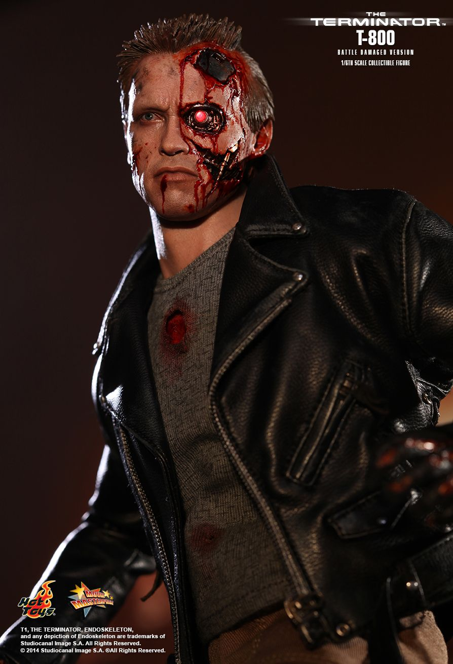 Hot Toys - T-800 Battle Damaged Version - MMS238