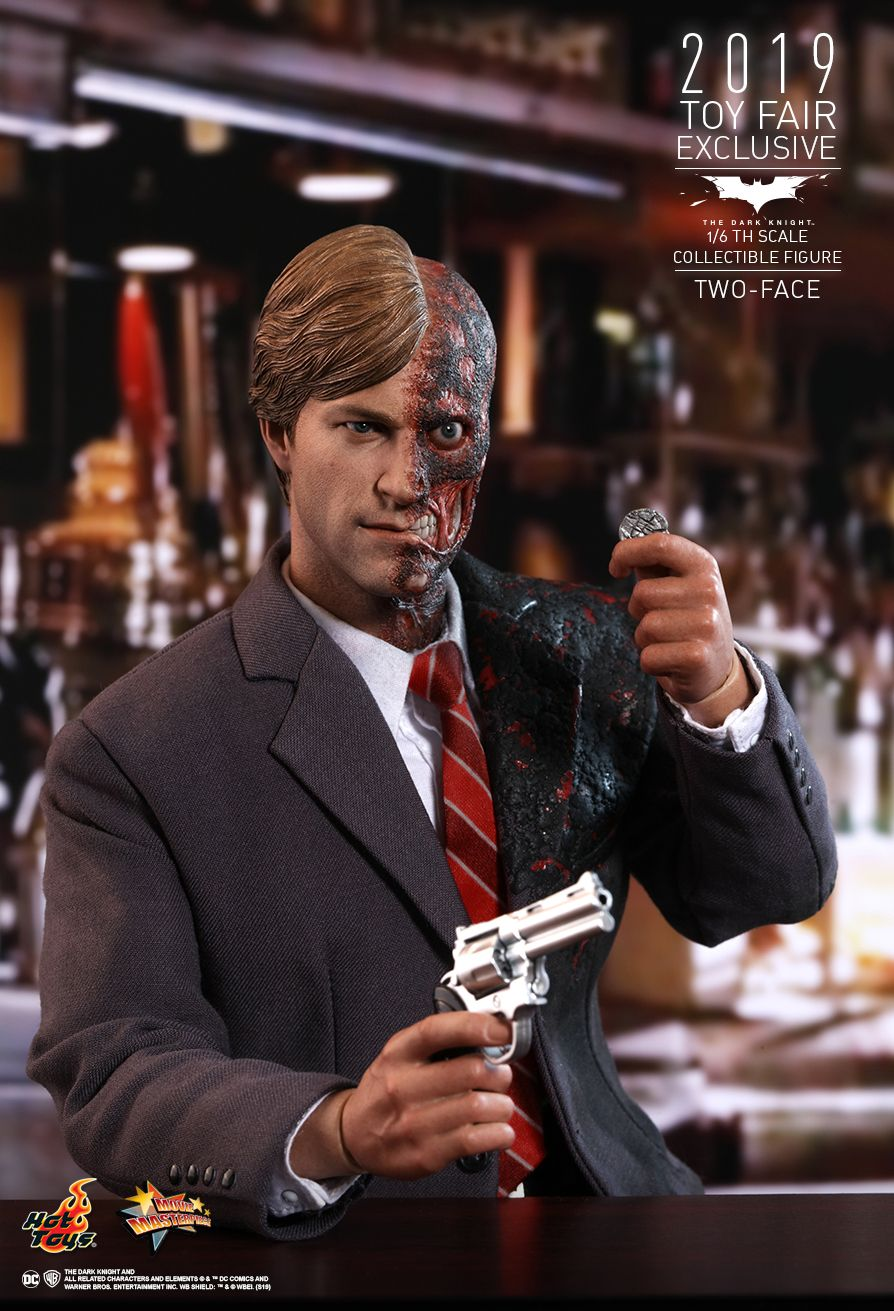Two-Face - Toy Fair Exclusive  Sixth Scale Figure by Hot Toys Movie Masterpiece Series   The Dark Knight